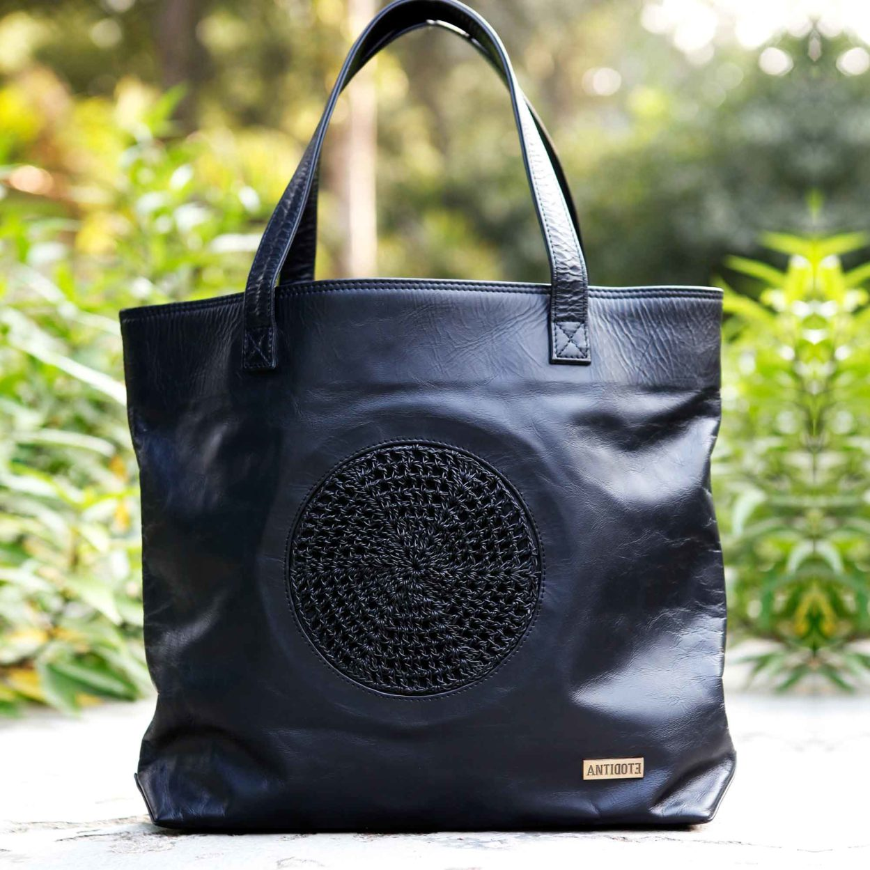 The Chic Carrier black tote