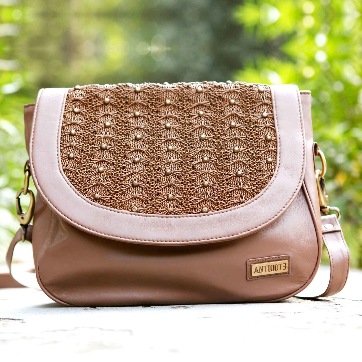 Froufrou Chestnut saddle bag