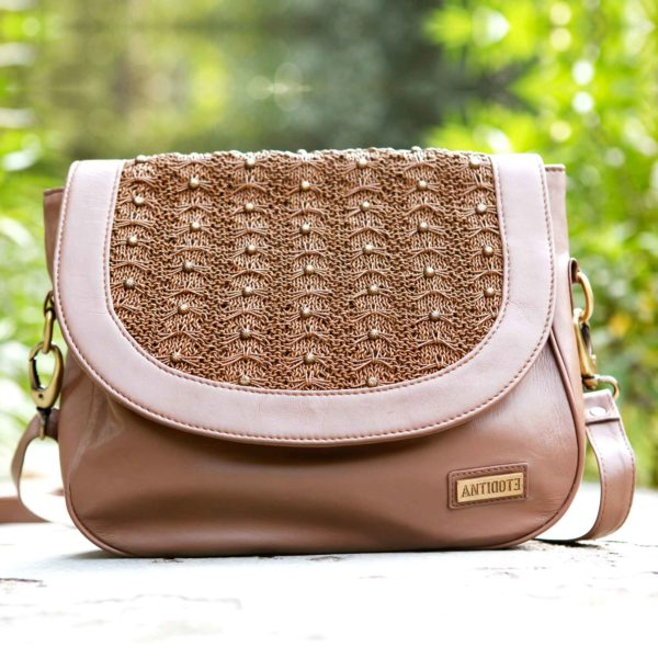 Froufrou Chestnut saddle bag