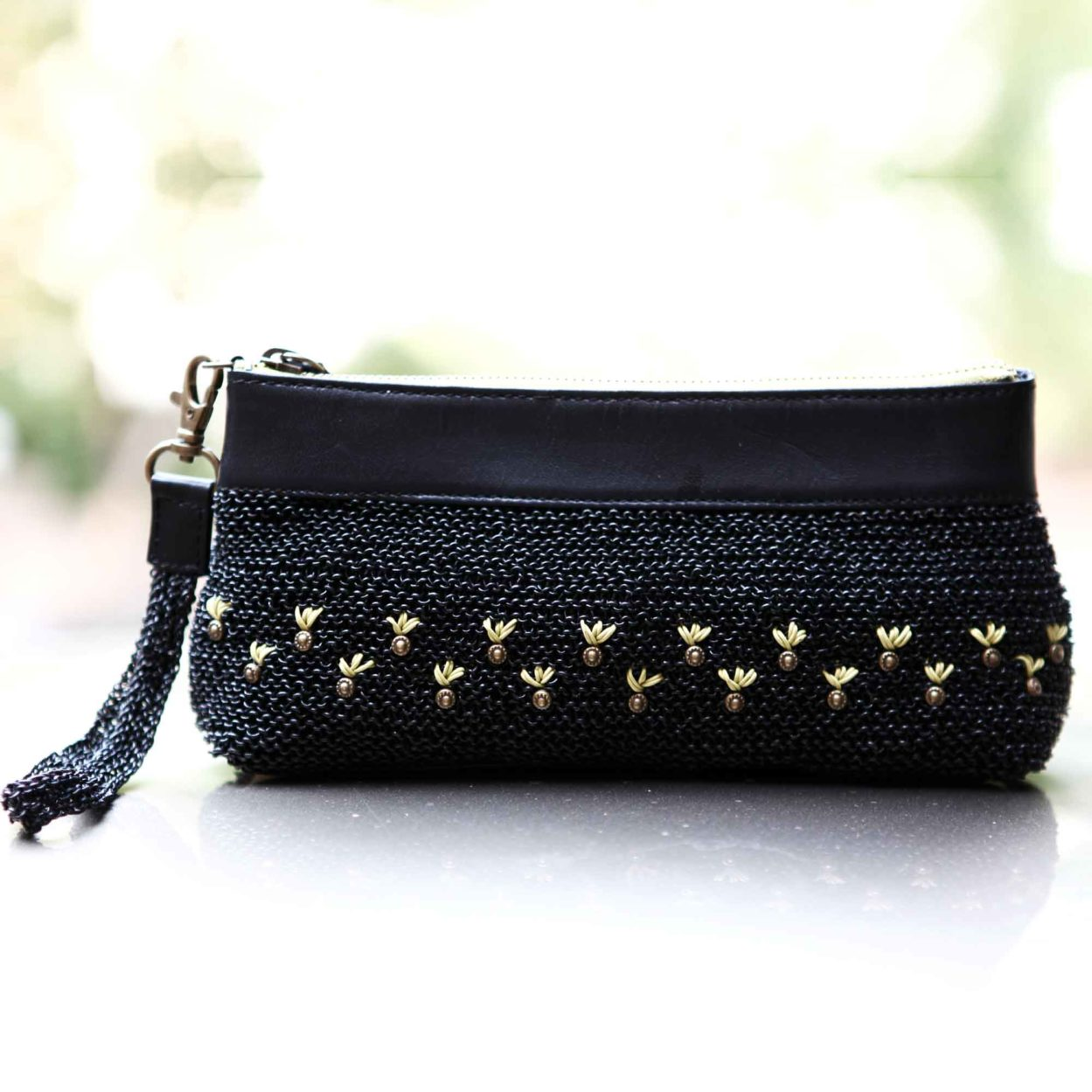 Melanie Clutch cum Wristlet/coal black